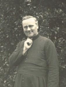 L'Abbé Gaston GIRARD, premier Président de l'Amicale nommé en 1927