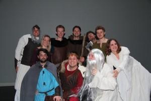 La troupe Askaya formée d'anciens élèves de l'établissement Jean-Paul II
